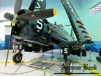 Vought F4U-4 Corsair [Walk Around]