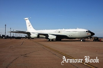WC-135C (62-3582) Constant Phoenix [Walk Around]