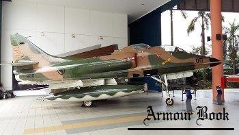 Douglas TA-4S Skyhawk + Cockpit details [Walk Around]