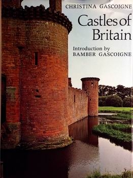 Castles of Britain [Thames and Hudson]