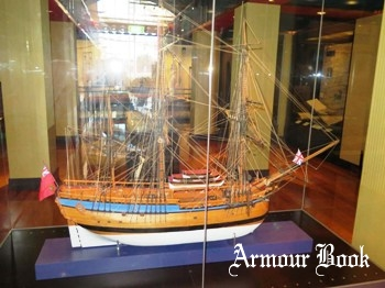 Ship Models - Bark HMS Endeavour Photos