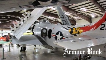 Douglas AD-4NA Skyraider [Walk Around]