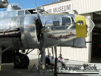 "Boeing B-17G ""Miss Angela"" [Walk Around]"