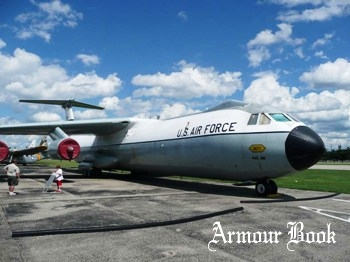 Lockheed C-141C Starlifter [Walk Around]