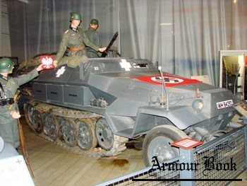 Sd.Kfz.251-6 Ausf.A Half-Track [Walk Around]