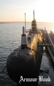 B-39 Foxtrot-Class Diesel Submarine [Walk Around]