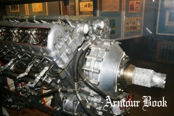 Merlin Engine Cutaway [Walk Around]